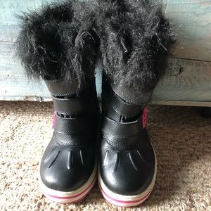 Adorable boots by Rugged Outback size 12